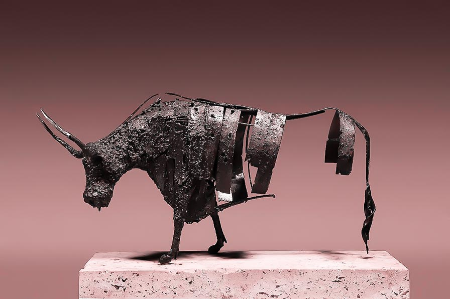 تصویر شماره یک از نمایشگاه شاخ بازی - مجسمههای عارف رودباری شهمیری